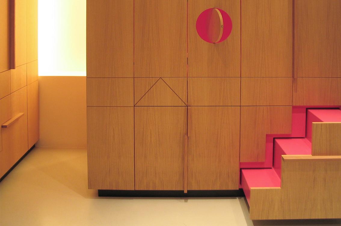 appartement,Reguliersgracht,pakhuis,amsterdam,verbouwing pakhuis,pied a terre,vilt,kasten,eikenhout,loft, kleur,roos meeder, meeder ontwerpers, interieur, bedstede