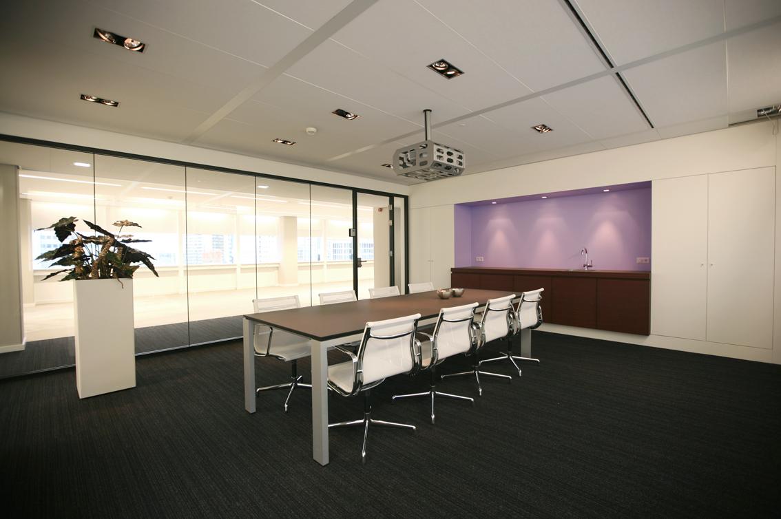 kantoorinterieur, renovatie leegstaande kantoorruimte, rotterdam, weenahuis, meeder ontwerpers, roos meeder