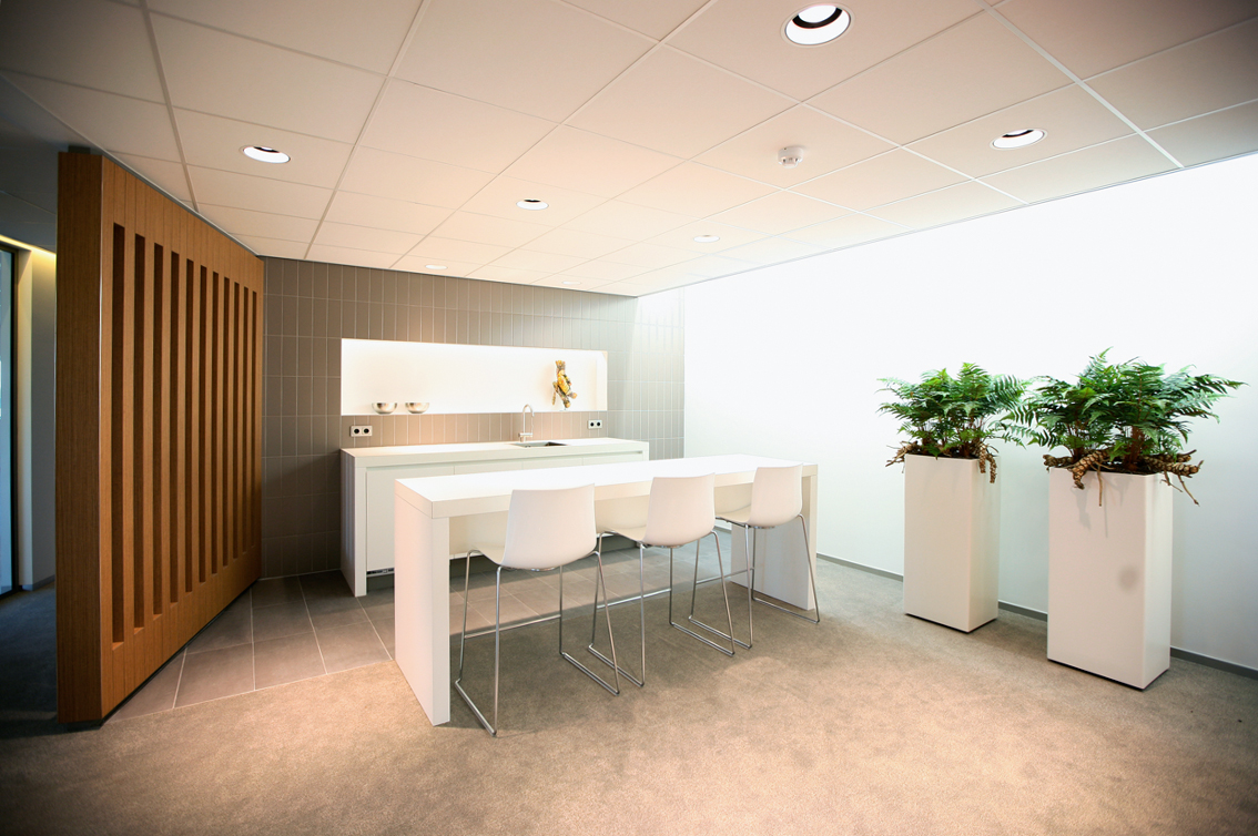 Revitalisatie kantoorgebouw, leegstand kantoorrruimte, kantoorcomplex, den bosch, hoog heinis, reitscheweg, syntrus achmea vastgoed, meeder ontwerpers, interieurarchitect, meeder ontwerpers