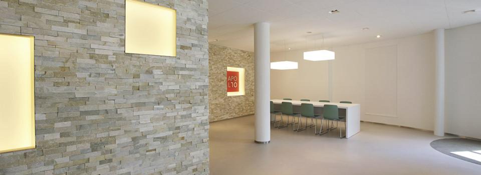 apollo, kantoor, olympia, entreehal, hilversum, natuursteen strips, vierkanten, nissenwand, meeder ontwerpers, roos meeder